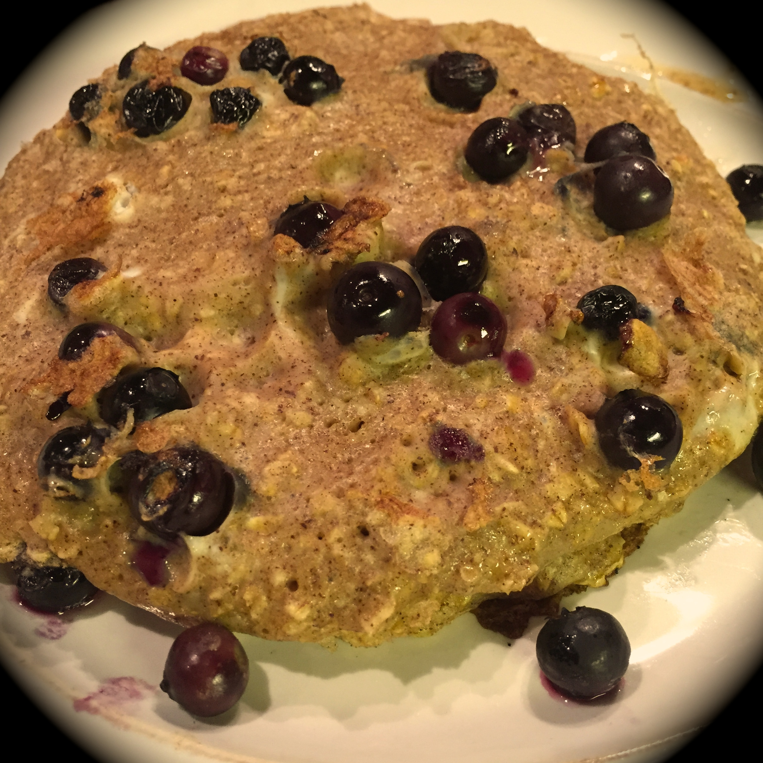 Protein Pancakes_with blueberries
